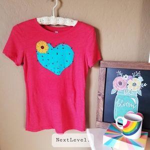 🌵NWOT Next Level heart cactus top🌵